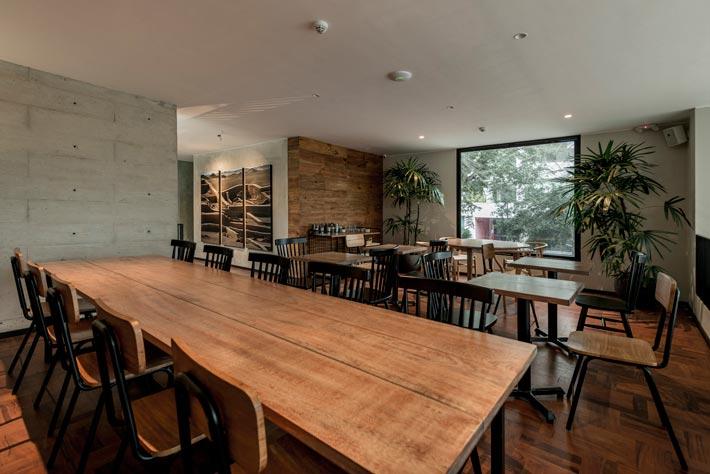特色餐厅餐区装修设计效果图