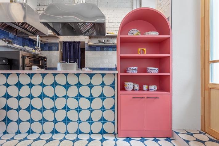 街头餐厅厨房装修设计效果图