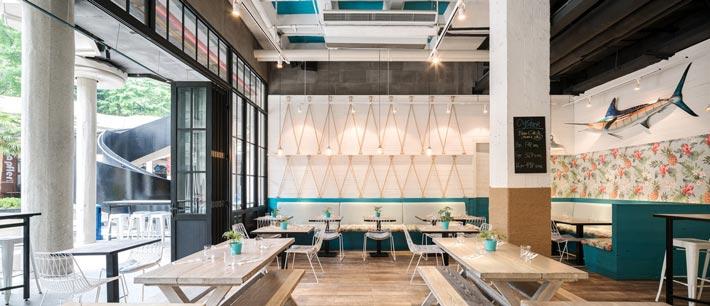 海鲜酒吧餐厅大厅装修设计效果图