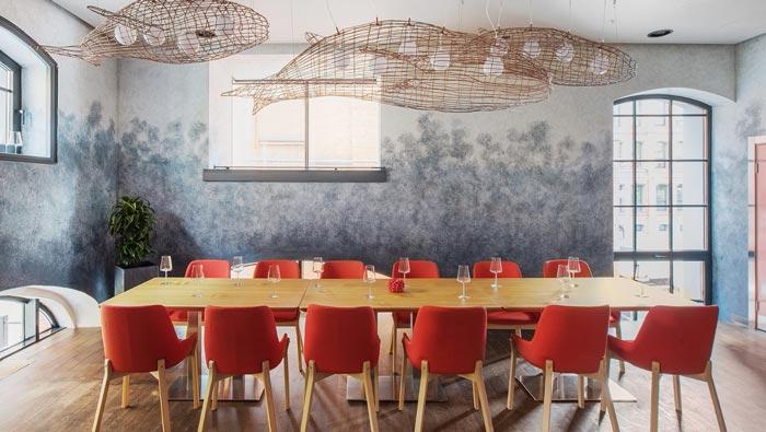 两层海鲜餐厅餐区装修设计效果图