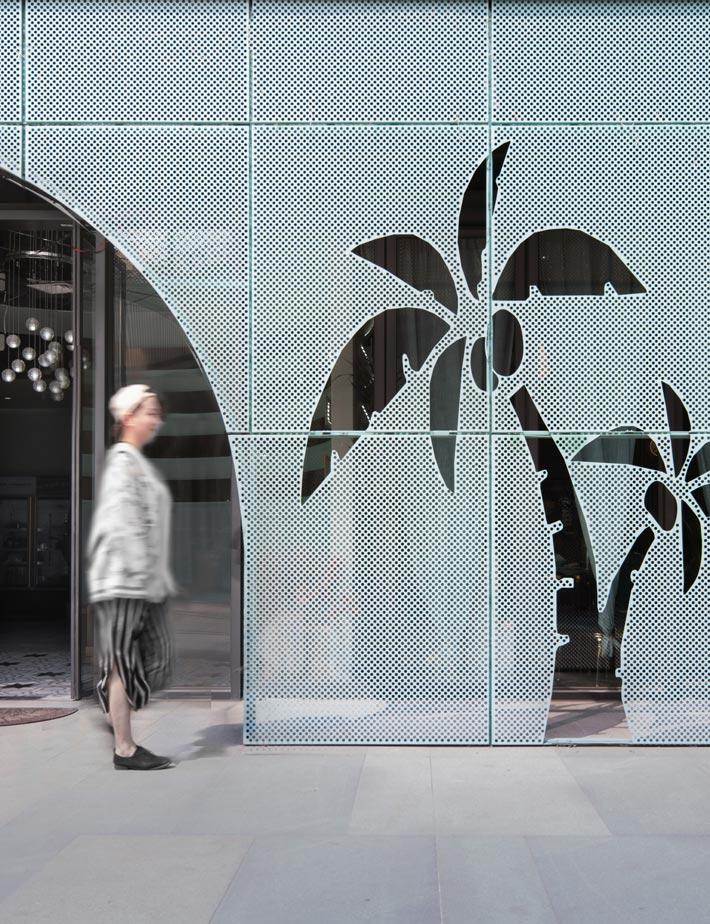 女性火锅店门口装修设计效果图