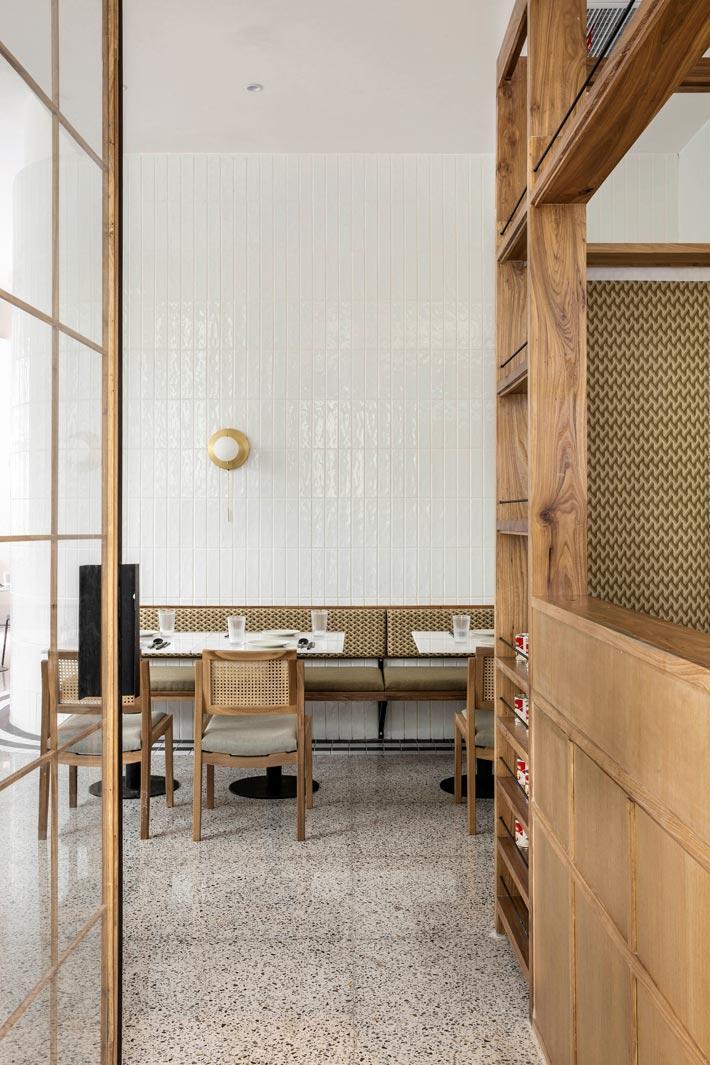 泰式餐馆入口区装修设计效果图