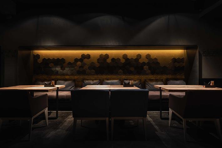 330平方烤肉餐厅餐区装修设计效果图