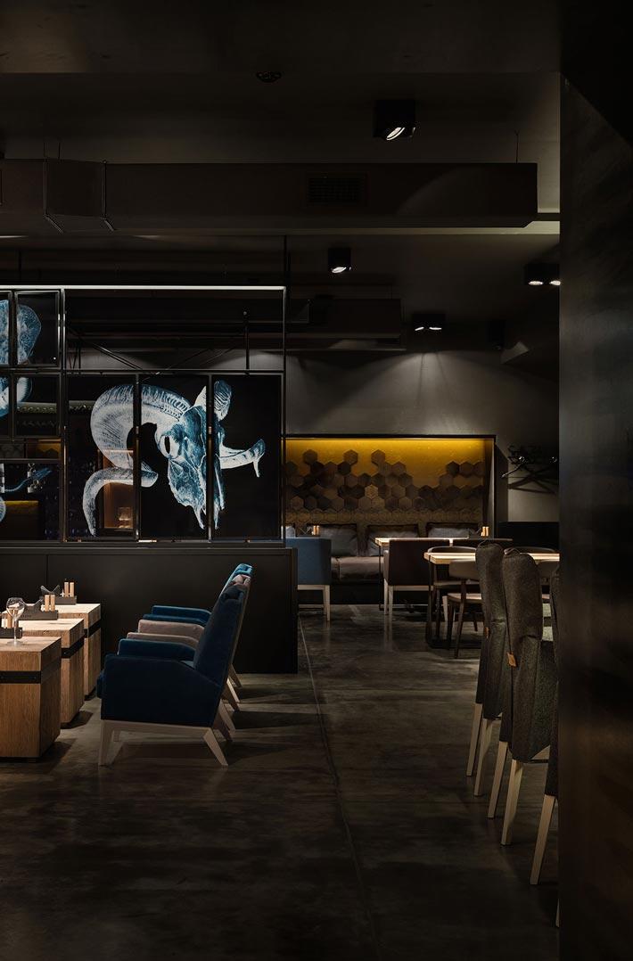 330平方烤肉餐厅过道装修设计效果图