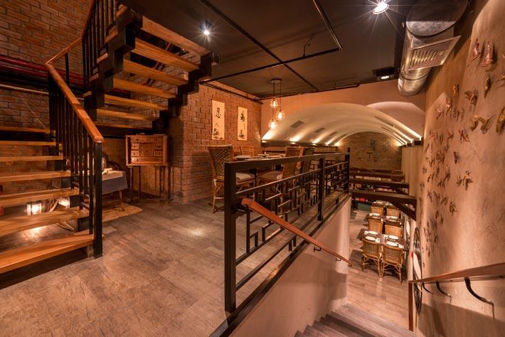 品牌中餐厅楼梯装修设计效果图