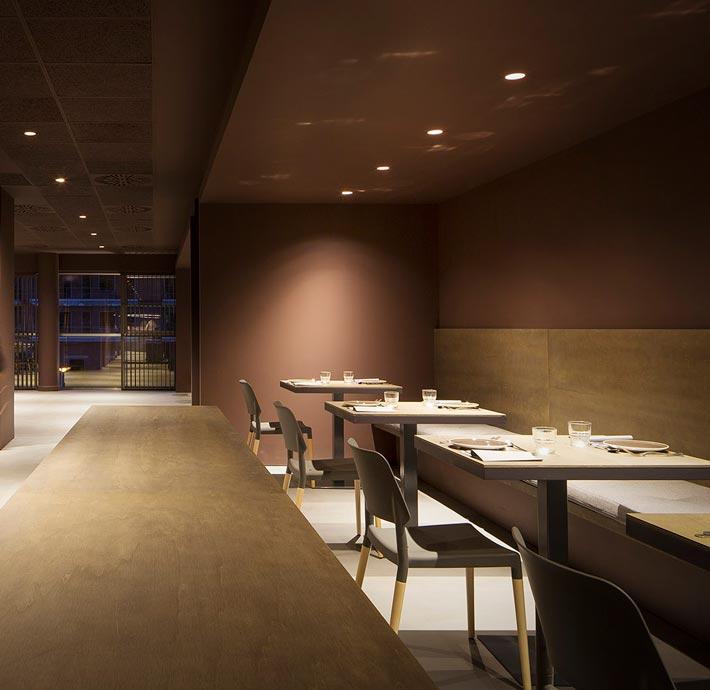 精致中餐厅过道装修设计效果图