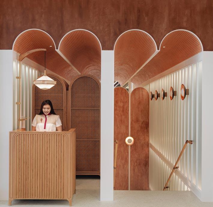 新派中餐厅入口装修设计效果图