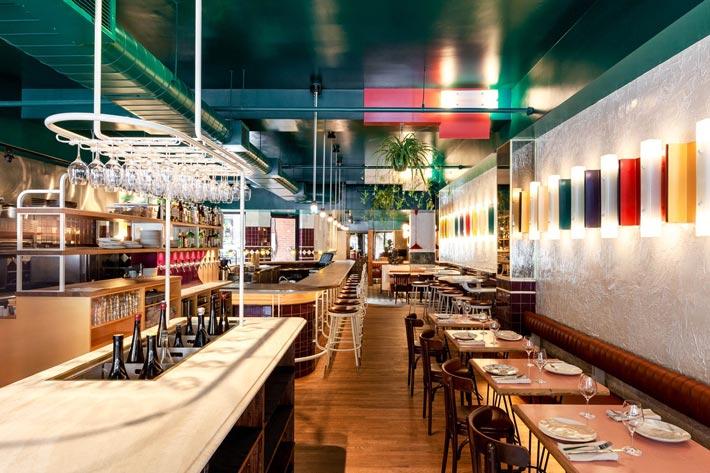 西餐厅+酒吧入口装修设计效果图