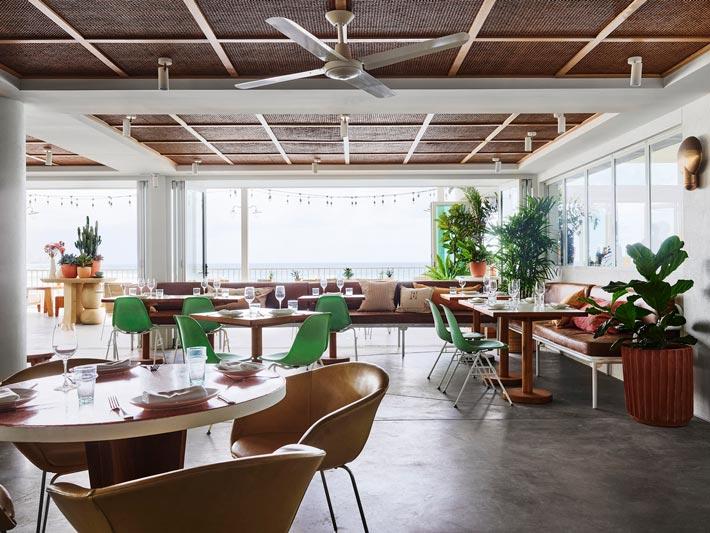 酒吧餐厅餐区装修设计效果图