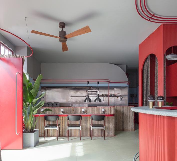 景区酒吧餐厅入口装修设计效果图