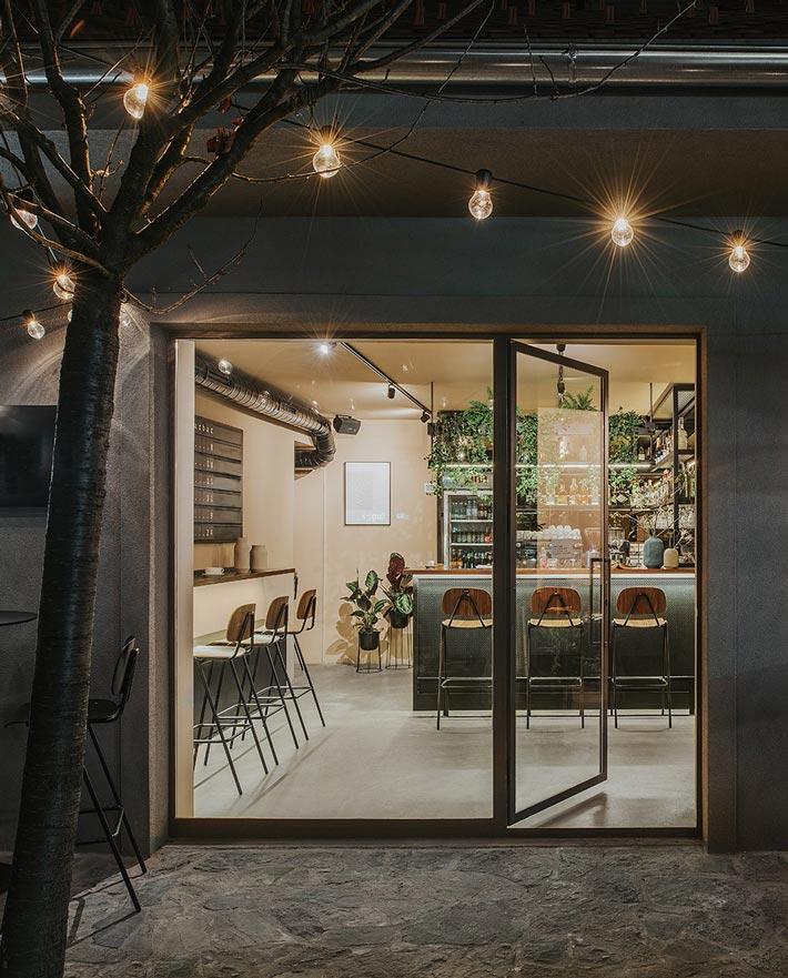 社区酒吧餐厅门口装修设计效果图