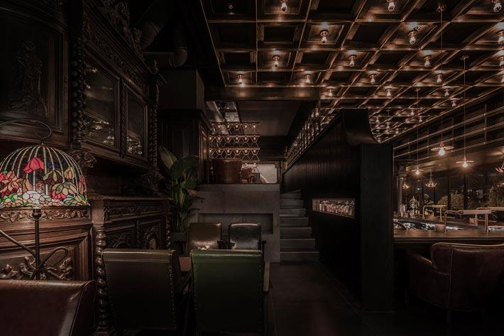 商场酒吧餐厅楼梯装修设计效果图